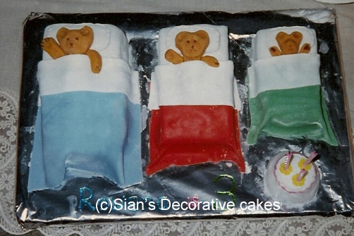 Three bears birthday cake